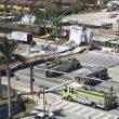 I mezzi di soccorso sul luogo del disastro a Miami