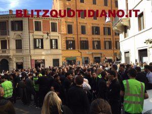 Allarme alla Rinascente di Roma: tutti evacuati