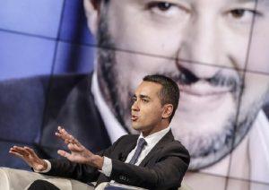 """M5S, quando sul blog si diceva: """"Salvini? Fa più schifo di Renzi e Berlusconi"""""""