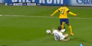 Tottenham-Juventus (VIDEO), Douglas Costa-Vertonghen: rigore negato alla Juve