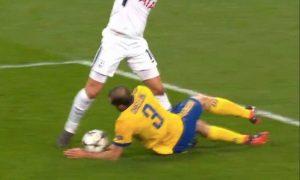 Tottenham-Juventus, Chiellini-Benatia mano: inglesi chiedono due rigori