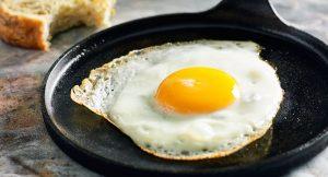 Uovo, colazione sana e leggera. Ma va cotto solo con olio di oliva