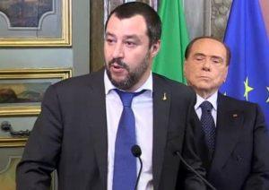 Consultazioni, stavolta Berlusconi si contiene: parla Salvini, occhi chiusi e mani giunte