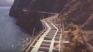 Lago di Garda drone sorvola pista ciclabile