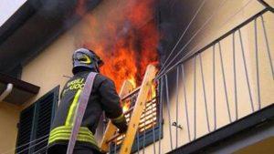Milano, incendio in appartamento: anziana trovata carbonizzata