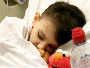 Julian, malato di leucemia: medici senza speranza smettono di curarlo, lui guarisce da solo