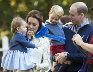 Kate Middleton e il principe William con George e Charlotte