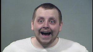 Picchia fidanzata con la pizza: arrestato per violenza domestica in Ohio