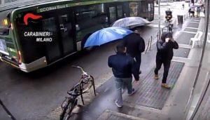 Rapinatore seriale farmacie Milano