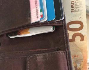 Un operaio moldavo a Roma trova un portafogli e lo restituisce