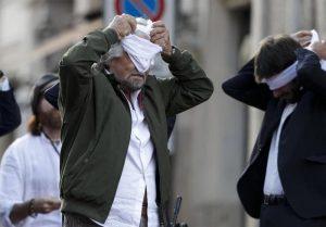 Referendum sull'Euro di Beppe Grillo: geniale marketing o scemenza co(s)mica?