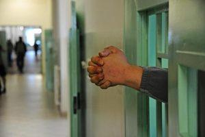 Brescia: i figli ritrattano sugli abusi, 400mila euro di risarcimento per 1000 giorni di carcere