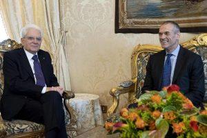 """Carlo Cottarelli premier incaricato: """"Senza fiducia elezioni dopo agosto"""""""