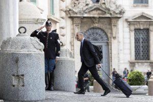 Carlo Cottarelli al Quirinale, ecco il Governo che verrà: Cantone, Severino...