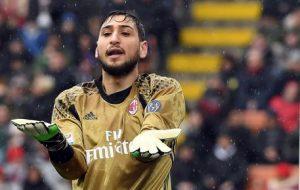 Gigio Donnarumma, i tifosi del Milan a Bergamo rifiutano la sua maglia