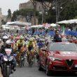 Giro d'Italia a Roma, vince Froome. Ma che figuraccia: accorciata tappa per le buche 02