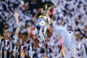 Juventus trionfa in Coppa Italia, video e foto della premiazione