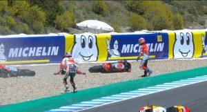 MotoGp Spagna,fuori Pedrosa, Dovizioso e Lorenzo dopo incidente triplo