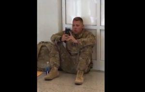 Soldato Usa perde volo: vede nascere figlia su FaceTime in diretta