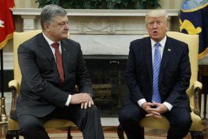 """Bbc: """"Ucraina diede 400mila dollari all'avvocato di Trump per un incontro con Poroshenko"""""""