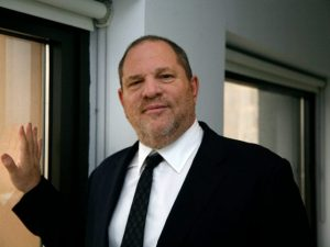 Harvey Weinstein pronto a consegnarsi: incriminato per stupro a New York, due le acccusatrici