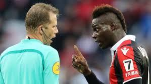 """Mario Balotelli: """"Basta razzisti nel calcio, facciamoli sentire ridicoli"""""""