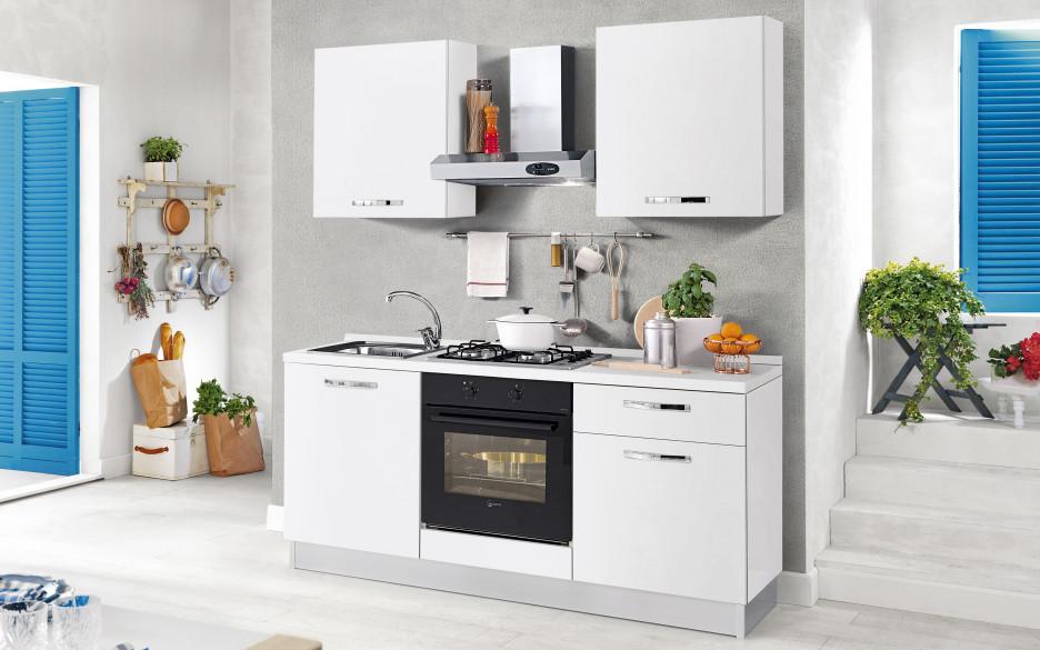 Arredare una cucina piccola 3 consigli per renderla bella for Consigli per arredare cucina