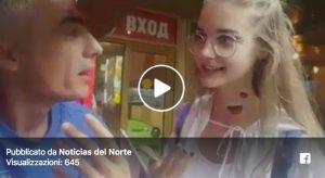 VIDEO | Tifoso argentino molesta minorenne russa e la costringe a dire volgarità