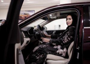 Arabia Saudita, donne al volante