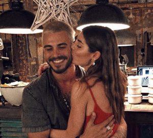 """Bianca Atzei e Francesco Monte: bacio con """"messaggio"""" a Max Biaggi"""