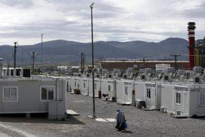 Migranti, bimba di 4 anni muore in una fogna in campo profughi in Grecia
