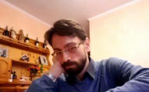 Claudio Pinti da Ancona negazionista scientifico dell'Aids. Virus ignoranza: milioni di contagi