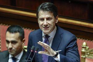 Giuseppe Conte: Daspo ai corrotti e soldi per tutti, ma con molta calma...