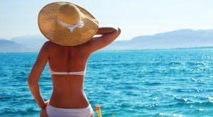 Crema solare: la 50+ protegge davvero se 40 grammi al giorno. Un tubetto intero