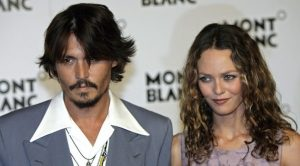 Jack, figlio di Johnny Depp e Vanessa Paradis, sta male: la malattia agli occhi peggiora