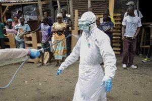 Virus Ebola, sos ministero: controlli più rigidi su chi lavora in Africa (tipo gli operatori Ong)