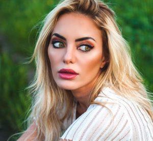 """Elena Morali su Instagram: """"Sono stata aggredita da un paparazzo"""""""