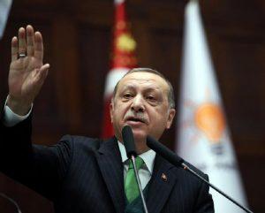 Austria chiude moschee, l'avvertimento di Erdogan e la guerra di religione