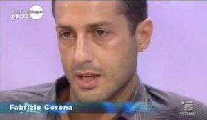 """Fabrizio Corona confessa: """"Per fare l'amore ho bisogno delle sostanze"""""""