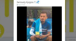Tennis, Nick Kyrgios simula masturbazione durante un cambio VIDEO