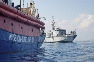 Lifeline, incontro Conte-Macron sblocca caso migranti: Malta apre porti