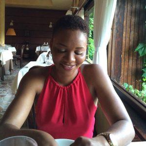 """Josephine Odijie, la 35enne trovata morta in piscina. Il procuratore: """"Sul corpo lividi ovunque. Si indaga per omicidio"""""""
