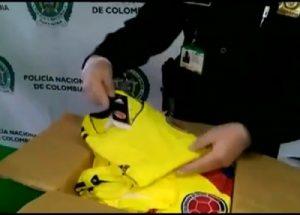 Colombia, trafficavano cocaina nelle false maglie della nazionale2
