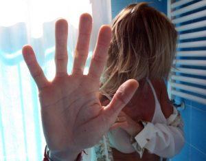 Partinico (Palermo), tema della figlia denuncia violenze: padre condannato a due anni
