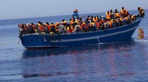 Libia ci carica altra nave di migranti, altri 800. Salvini vieta sbarchi. Fino a quando? Se non in Italia, dove?