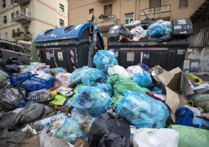 Tari: paghi 50% se rifiuti in strada. La Puglia si prende quelli di roma