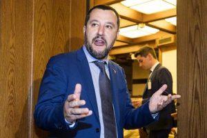 """YOUTUBE Matteo Salvini insiste sui rom: """"Tanti Comuni mi chiedono già il censimento"""""""