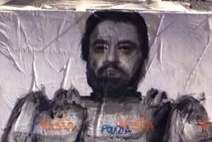 YOUTUBE Salvini versione Robocop sui Navigli di Milano. L'opera di Cristina Donati Meyer