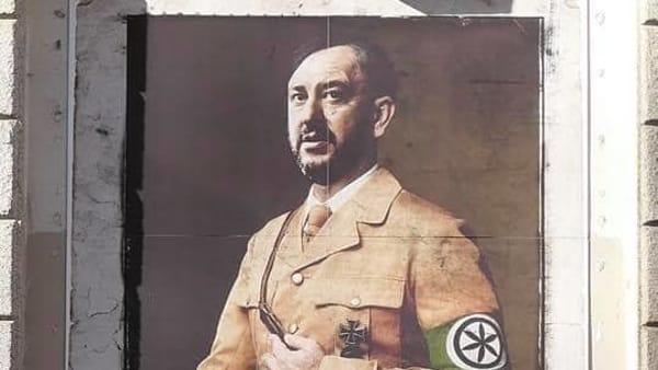 Matteo Salvini come Adolf Hitler