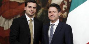 """Carlo Sibilia, il sottosegretario M5S """"metallaro"""" insiste: """"Sbarco sulla Luna episodio controverso"""""""